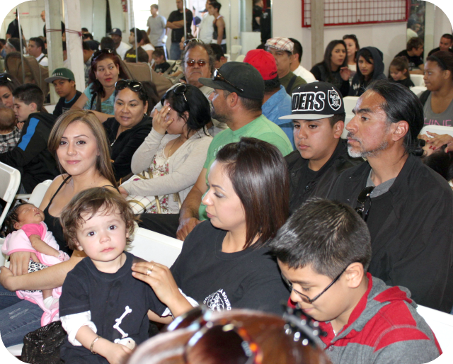 There were boxing fans galore at the latest USA amateur show in Vista on Saturday, February 16. Two of the youngest and two of the most photogenic brought their Moms along.