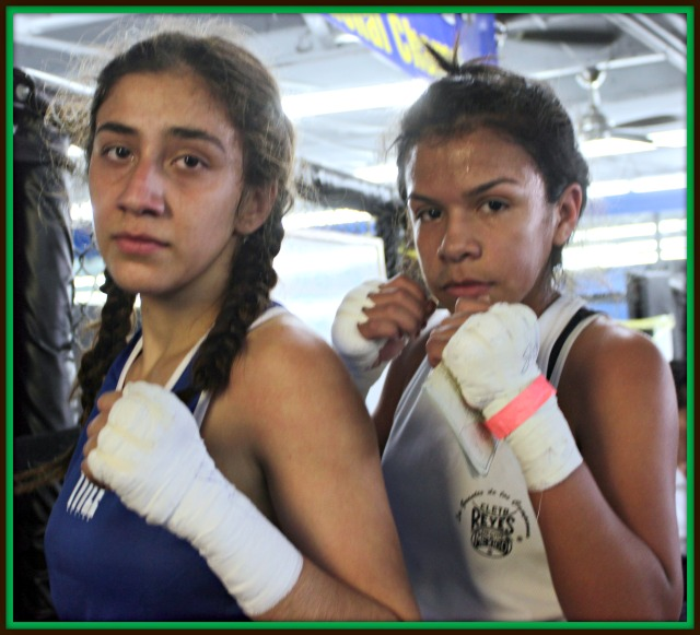 In Bout #4, they had southpaw Jessica Juarez of USIAA, the United States Institute of Amateur Athletics, San Diego, CA going up against the orthodox Stephanie Valdez of the Duarte Youth Boxing Club in the female, 14 to 15 year-old, 106 pound weight division.