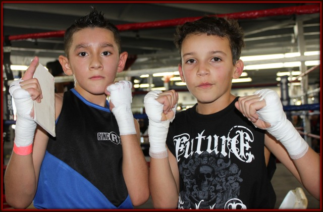 In Bout #1, in the 11 to 12 year-old, 70 pound weight class, Off-tourney group) it was Adrian Estrada (66.2 lbs.) an orthodox boxer from the Alliance Training Center, Chula Vista, CA going up against southpaw Fernando Diaz (70.6 lbs.) of Steele Boxing, Las Vegas, Nevada.