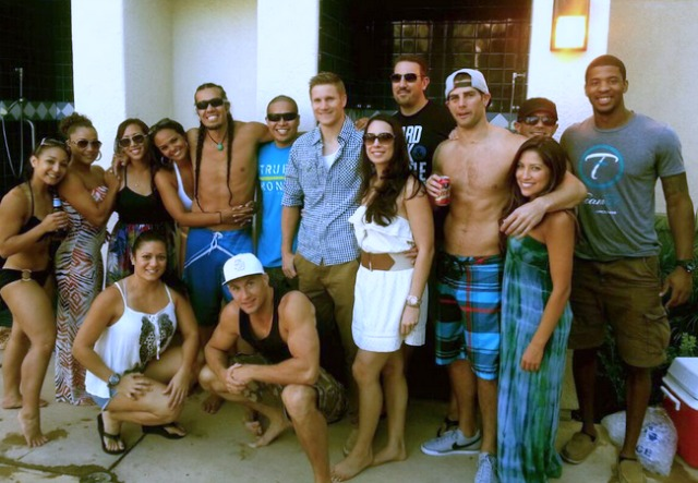 The following day, Stark's friends got together to celebrate his victory. Aside from the many gorgeous woman, we see James Steelsmith, Michelle Vera, Robert Smith, Ali McNeil, Laurence Val Mada, Eddie Signaigo, Mike Lemaire, Chris Patricia and Bj Oriol.