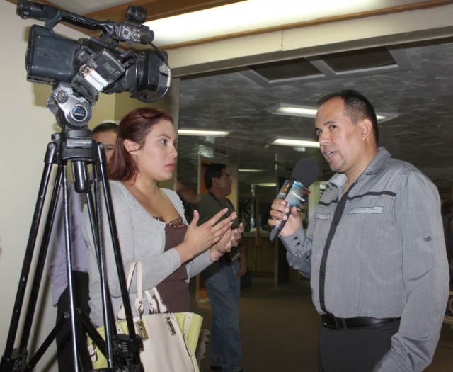 Even before the 1 p.m. Press Conference, Saul Rios, the CEO of the Borizteca Boxing Management Group was in demand for interviews like this one with a young lady from Televisa Ensenada.