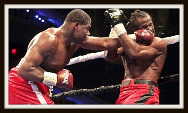 bbbb 640Luis Ortiz beats up Barrett