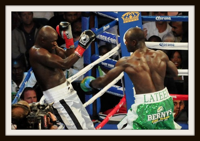 It appeared Lateef Kayode had his way the former IBF World Lightweight & IBO World Cruiserweight Champion Antonio Tarver.