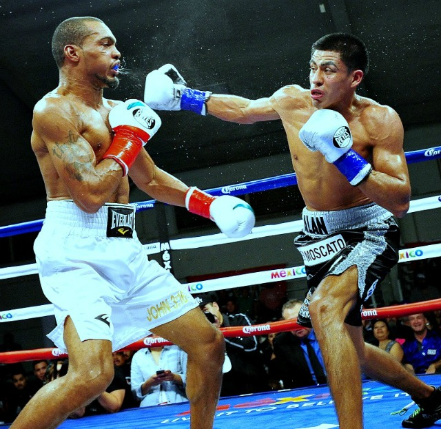 Here we see one of Alan Sanchez's big overhand rights. Photo: Paul Gallegos