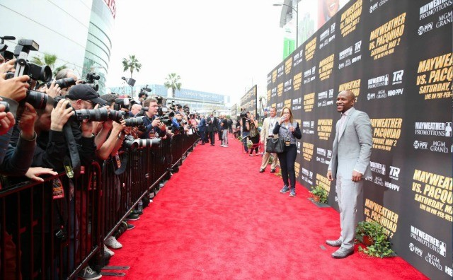 6Floyd Mayweather Jr. center attraction