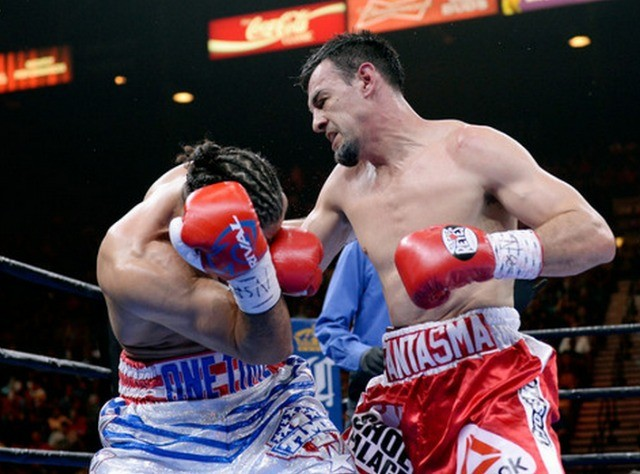 Keith Thurman gets clobbered