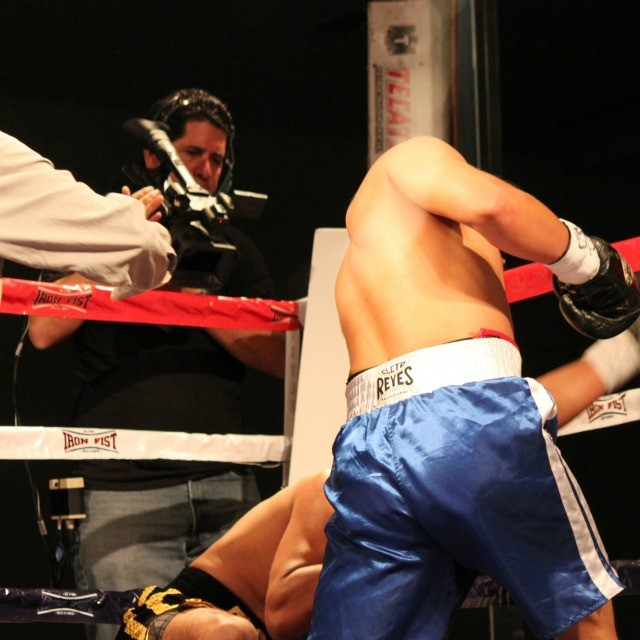 After this one mishap, the fluke flash knockdown, Armado Tovar