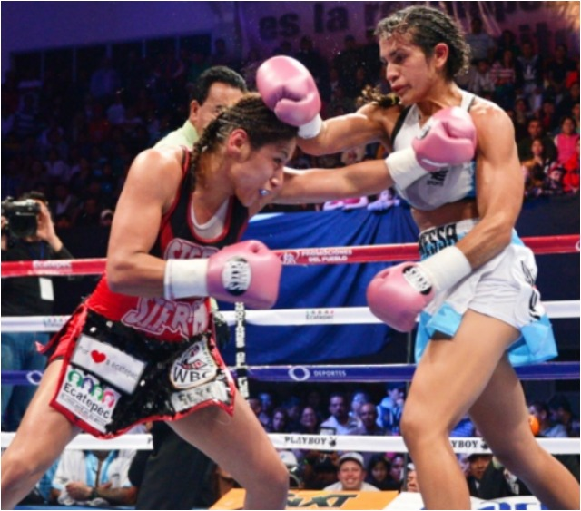 "On March 5, 2016, Yessica ""Kika"" Chavez (l) won an unanimous decision victory over Argentina's Vanesa Taborda."