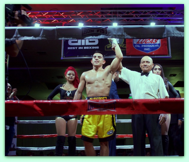 After the early stoppage, it was referee Juan Manuel Morales Lee raising the arm of the victorious Adrian Gutierrez.